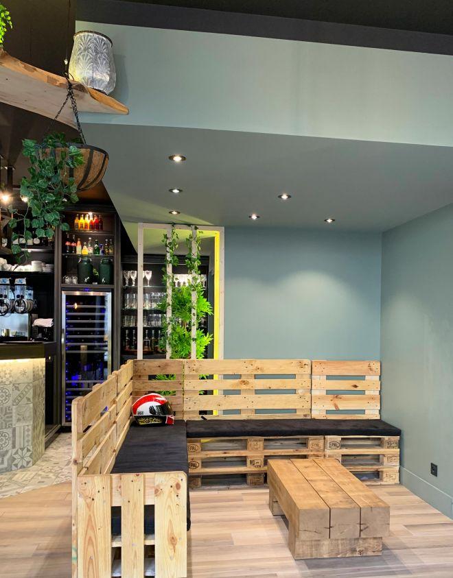 slai-architecte-interieur-decoration-besancon-renovation-bar-lounge-gotham-