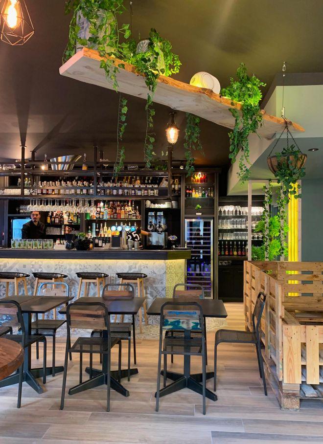 slai-architecte-interieur-decoration-besancon-renovation-bar-lounge-gotham-2