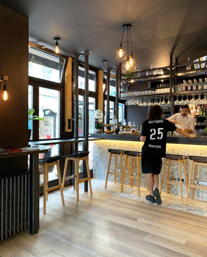 slai-architecte-interieur-decoration-besancon-renovation-bar-lounge-gotham-5